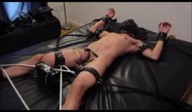 Electro Slave 0037 gay tied up and in mask
