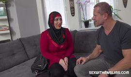 GRATEFUL SEXY MUSLIM GETS BONED