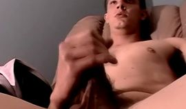 Amateur guy tugging his cock and getting tugged