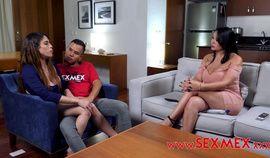 Hijastro y su novia convencen a Pamela Rios de unírseles y hacer un trío en el motel