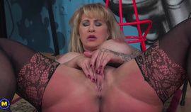 American big breasted MILF fooling around