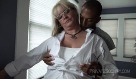 Mature mom takes on her young BBC