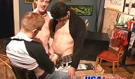 Horny twink dudes gets naughty with this painter's ass