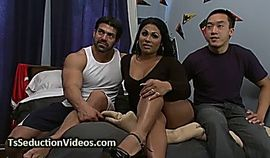 Dorm room threesome with tranny
