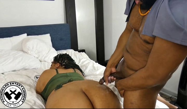 Thick Shemale Gets Fucked
