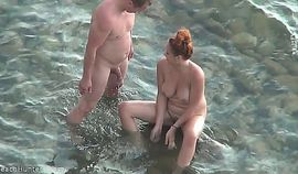 amateur couple enjoying sex at the beach (secretly filmed)