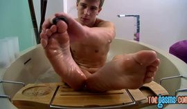 Patrick Kennedy and Wesley Marks enjoy a suck and cum on feet